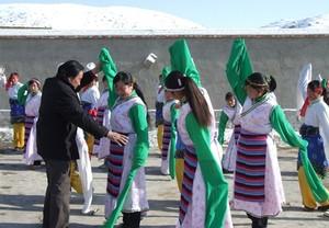 辅导农村文化活动