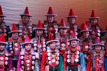 德都蒙古合唱团